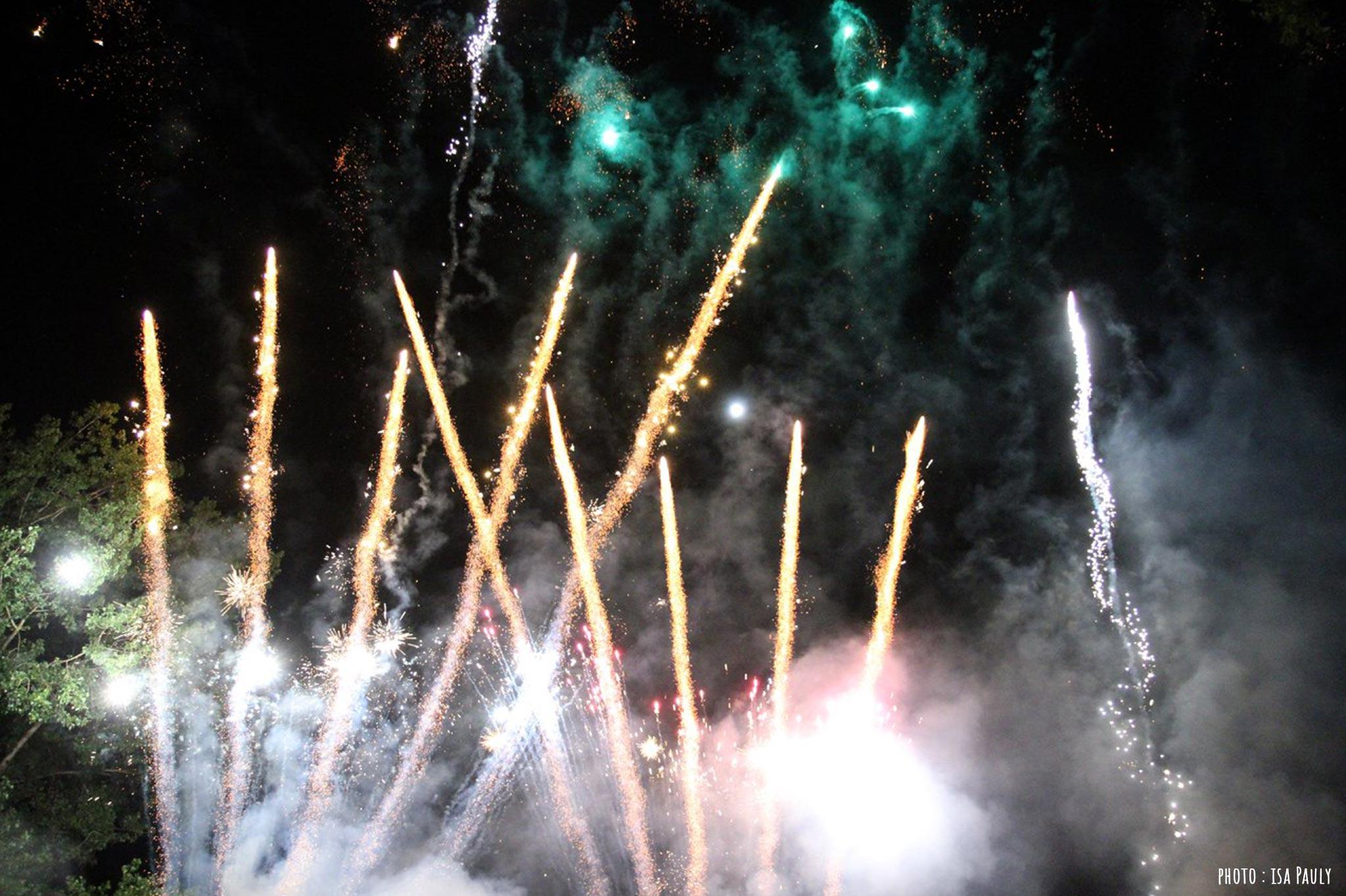 C'est la cerise sur le gâteau d'anniversaire ! Tiré depuis le stade de football, le feu sera notre manière de fêter les 10 ans du Pressoir en prenant un peu de hauteur !
