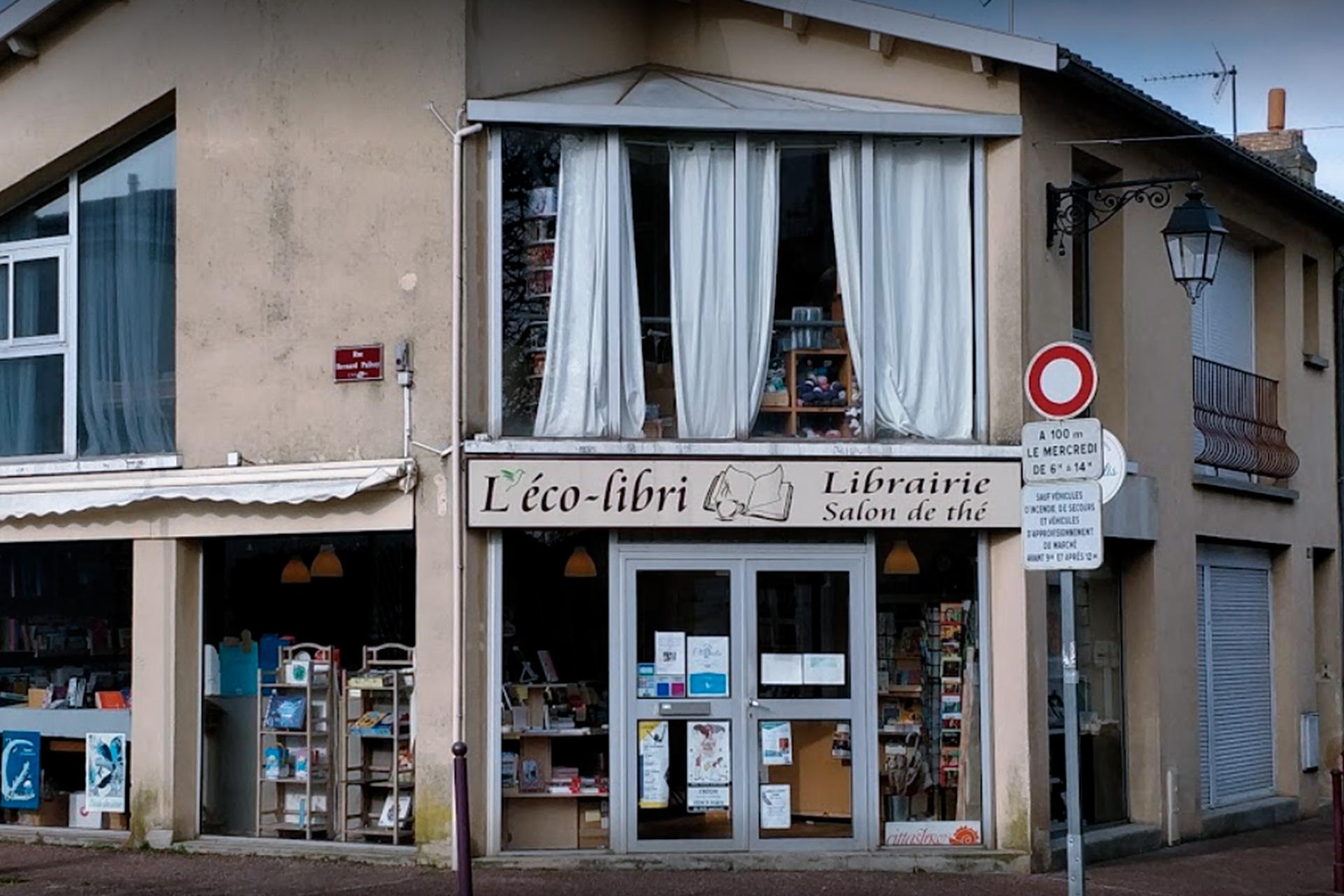 Nous sommes attachés depuis un certain temps à mettre en lumière le travail passionné de libraires et éditeurs locaux et / ou indépendants. Cette année, l'Éco-Libri, librairie générale et salon de thé basé à Créon, nous proposera une sélection d'ouvrages durant les deux jours du festival.